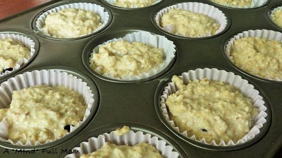Oatmeal Muffins stuffed with jelly