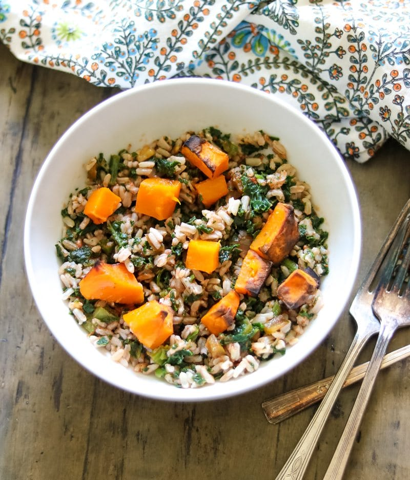 Kale Butternut Squash Rice Bowl: Brown rice, roasted butternut squash are tossed together with kale and Tex Mex Seasonings for an easy meatless meal.