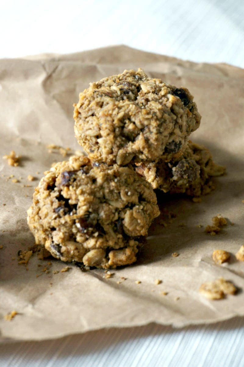 Baking Powder Free Cookies: Cookies that are safe for EVERYONE. Oatmeal Chocolate Chip cookies that are out of this world tasty but happen to be gluten-free, dairy-free, soy-free, corn-free, egg-free, and nut-free!