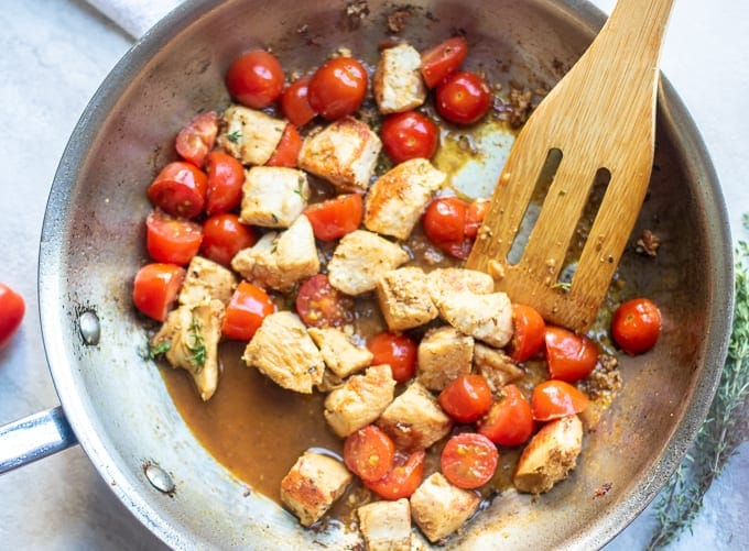 Chicken Sauteed with Tomatoes and garlic