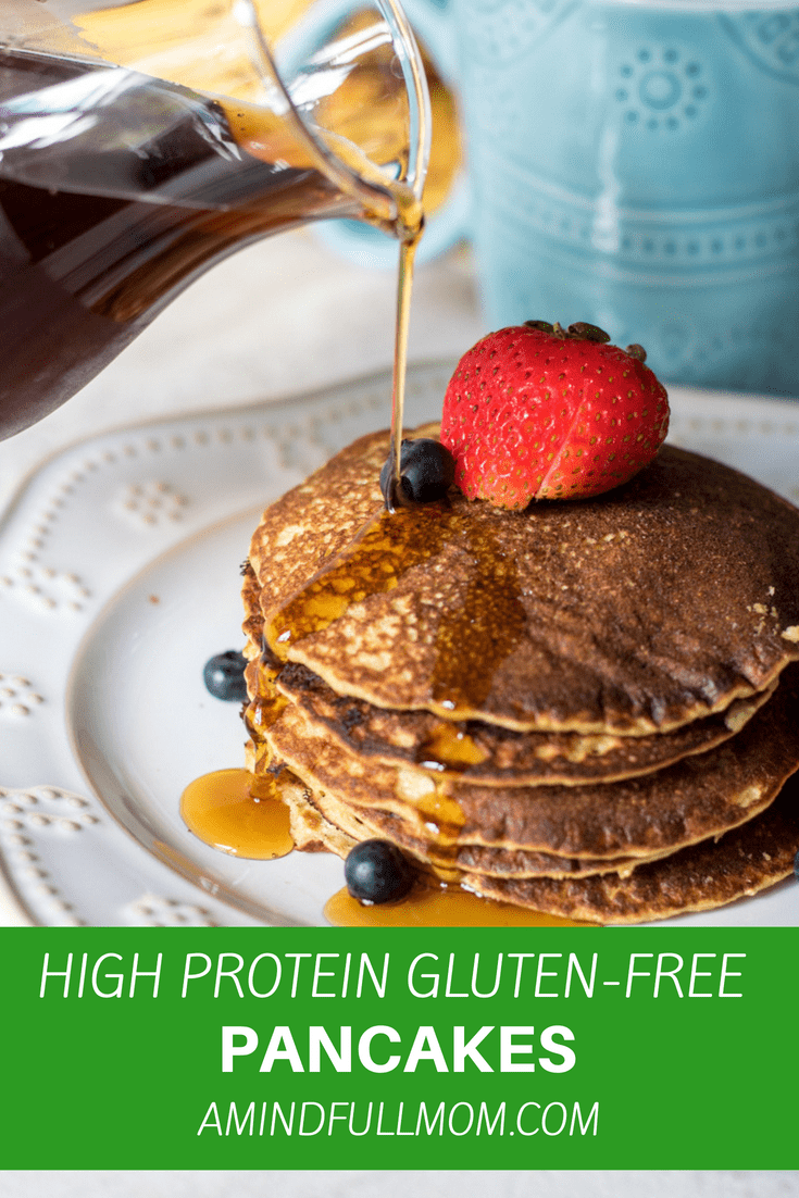 High Protein Gluten-Free Blender Pancakes: These pancakes are made gluten free with oats and are kept super light and fluffy with the addition of cottage cheese--which also boosts the protein in these pancakes, for a perfect start to your day.#pancakes #glutenfree #highprotien