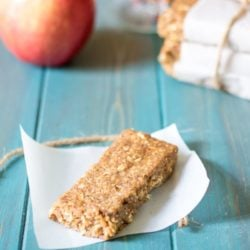 Homemade Apple Pie Larabars: No Bake Apple Pie Granola Bars: Simple, wholesome ingredients come together to create a healthy granola bar that tastes just like Apple Pie in ONLY 5 minutes. Gluten-free. Paleo. Vegan.