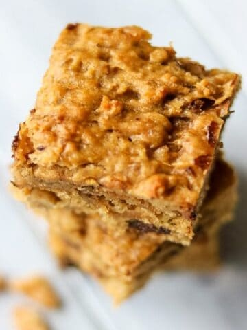 Peanut Butter Chocolate Chip Banana Bars: Soft, lighly sweetened bars made with Bob's mill flour or gluten free 1:1 flour blend.