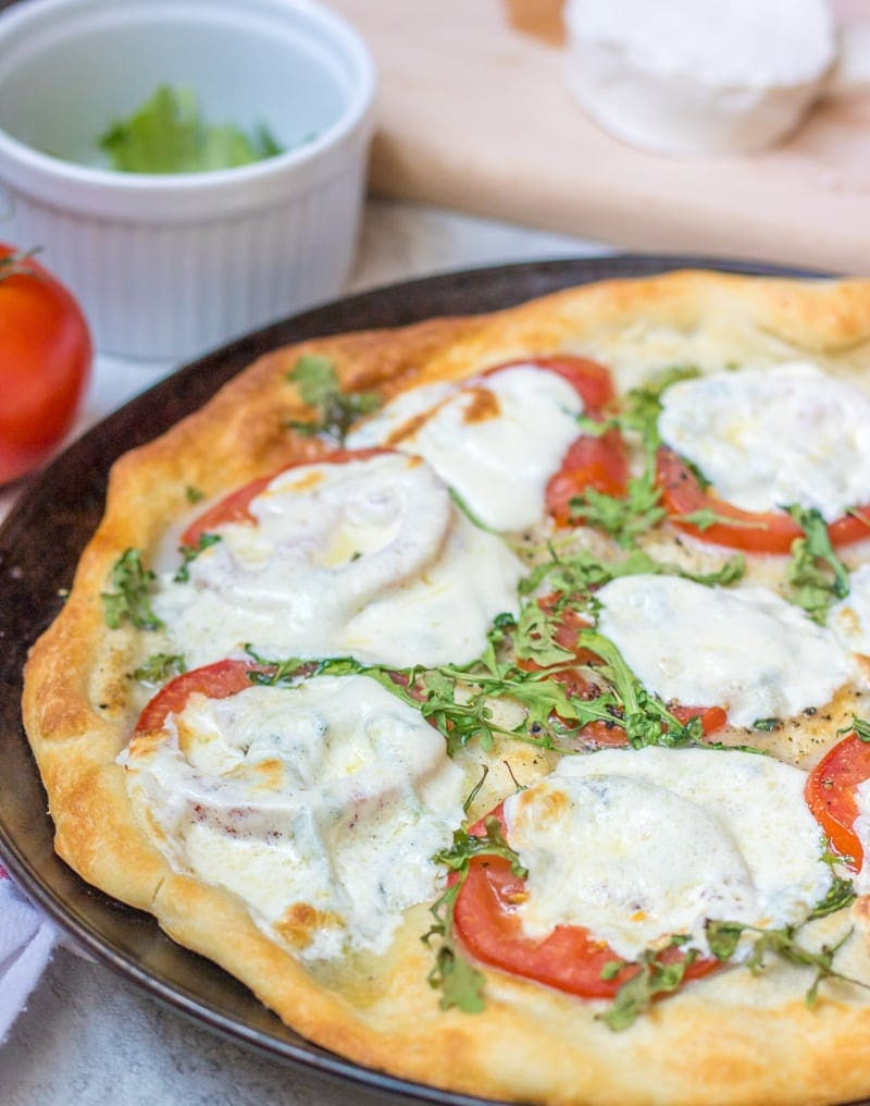 Mozzarella Tomato Pizza