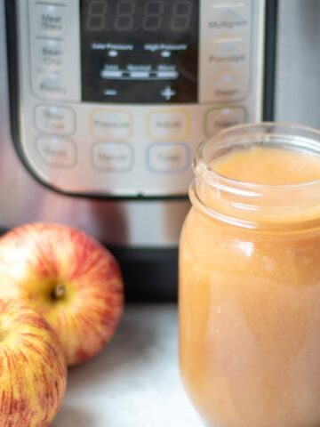 Easy No Sugar Added Applesauce