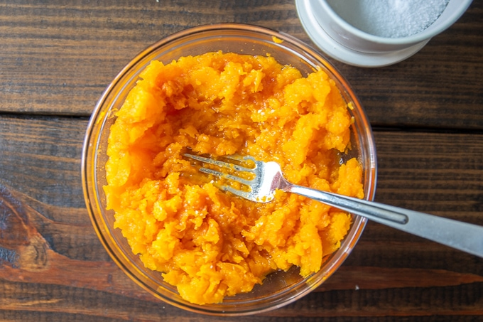 Bowl of butternut squash puree