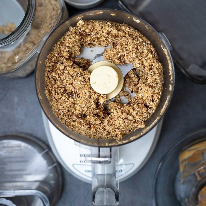 Food Processor with homemade granola bar mixture