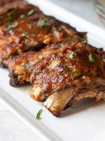 White Plate with Ribs