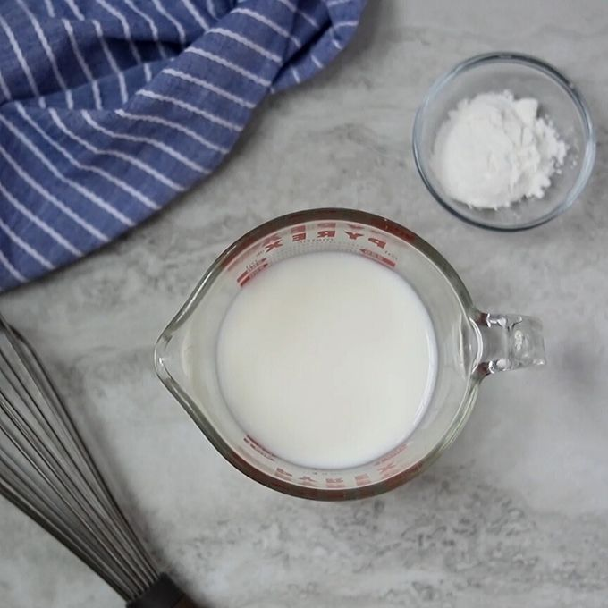 Ingredients for Cornstarch slurry next to instant pot