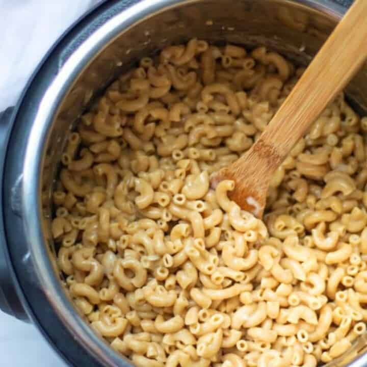 Elbow Noodles Cooked inside inner pot.