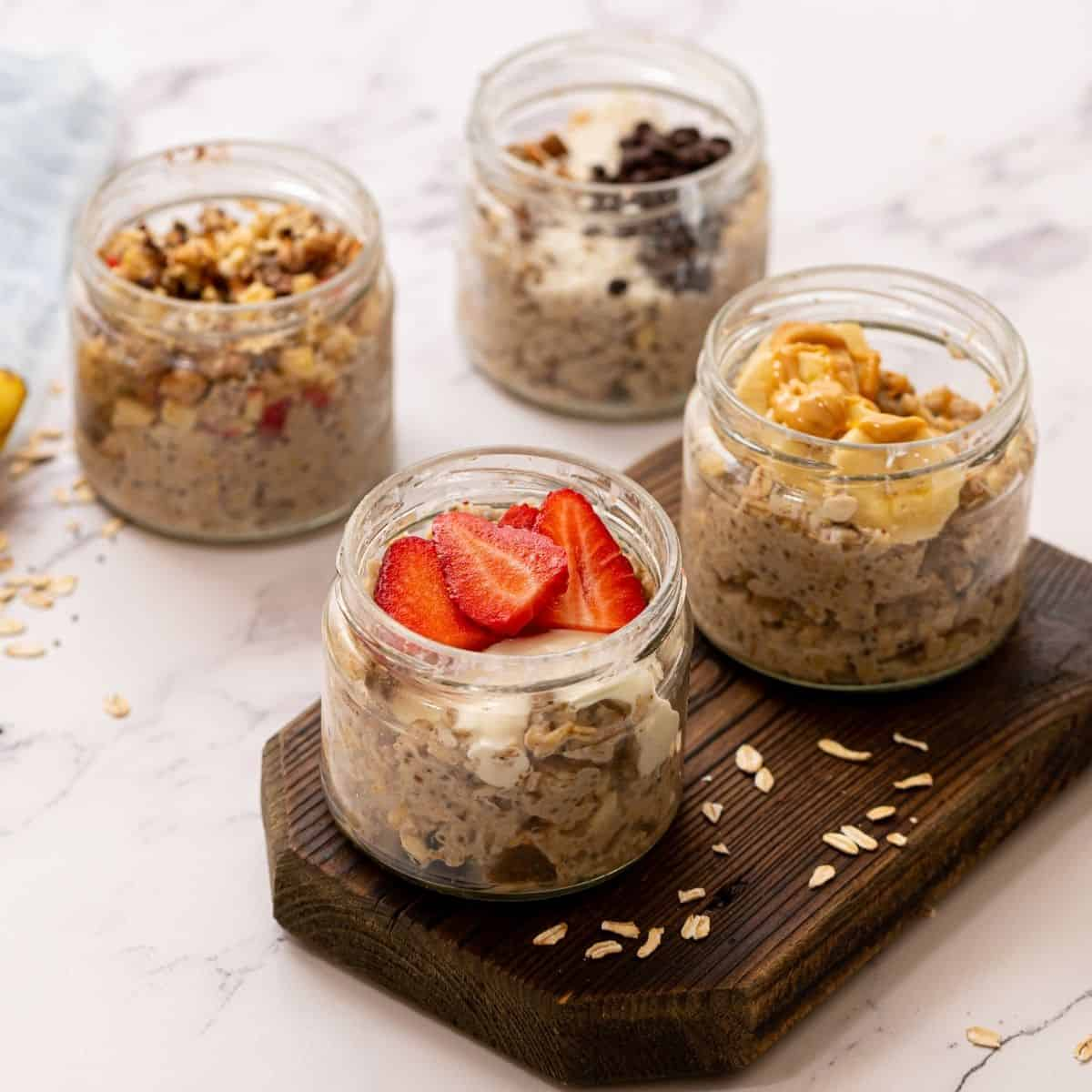 4 jars of overnight oats flavored in 4 different ways.